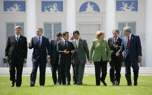 """Ir a La reunión del G8 concluye con un acuerdo """"falto de contenido"""""""