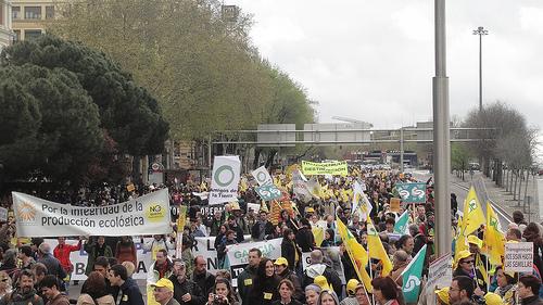 """Ir a 15.000 personas se manifiestan en Madrid """"Por una Agricultura y una Alimentación Libres de Transgénicos"""""""
