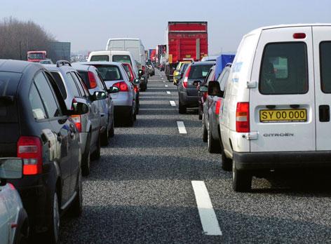 Ir a Los grupos ecologistas proponen a Fomento ahorrar más de 8.000 millones en autovías