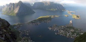 Ir a Jóvenes activistas de todo el mundo exigen el cese inmediato de la explotación de petróleo en el Ártico noruego