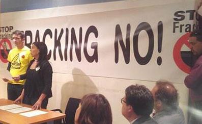Ir a 20 grupos políticos se comprometen a prohibir el fracking