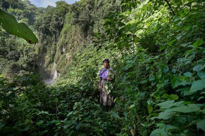 Ir a Acto, hidroeléctricas en Guatemala: Marca España contra el 90% de la población