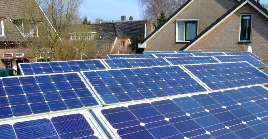 Ir a Sociedad y sector renovable piden al Ministro concreción en la transición energética y alineación con Europa en autoconsumo