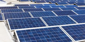"""Photovoltaik Dachanlage Hannover """"Schwarze Heide"""" 1 MW"""