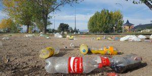 residuos de envases abandonados