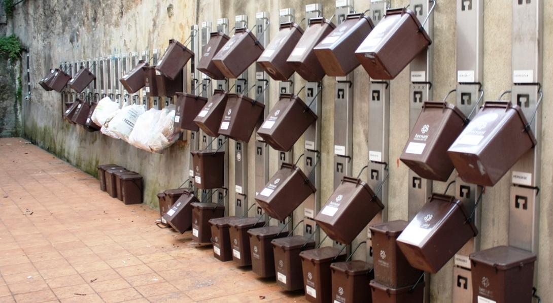 """Ir a Comienza el primer """"Puerta a puerta"""" en Madrid para mejorar la gestión de residuos"""
