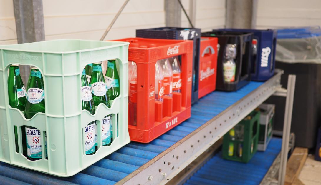 Ir a Una veintena de personas expertas reclaman a la nueva Ley de Residuos medidas concretas y efectivas de prevención como la limitación a los plásticos de un solo uso, la reutilización de todo tipo de productos  y el sistema de depósito para los envases de bebidas