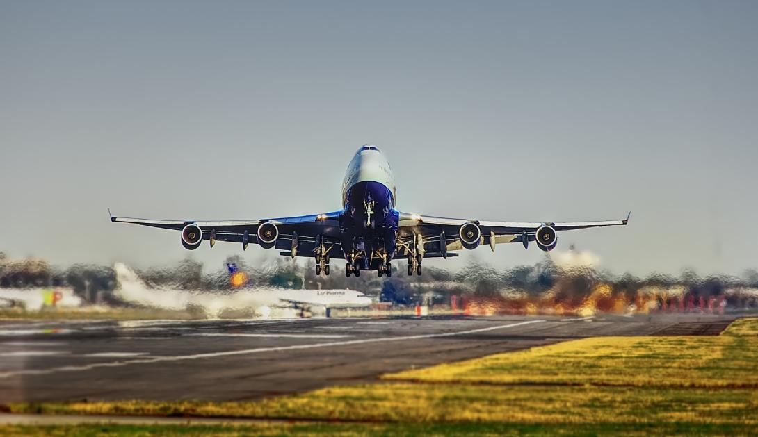 Ir a Más de 100 organizaciones reclamamos al Gobierno cancelar las ampliaciones de los aeropuertos de Madrid y Barcelona
