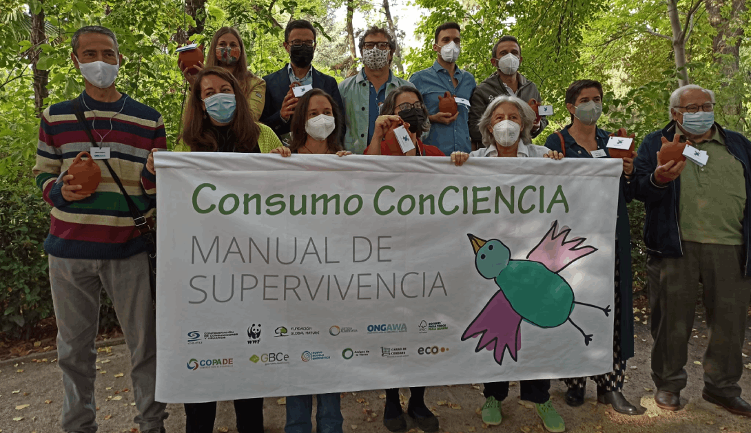 Ir a 12 ONG lanzamos un manual de supervivencia con propuestas a consumidores para no devorar el planeta